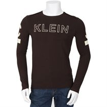 Calvin Klein Long Sleeved T Shirt Brown Long Sleeve http://www.comparestoreprices.co.uk/t-shirts/calvin-klein-long-sleeved-t-shirt-brown.asp