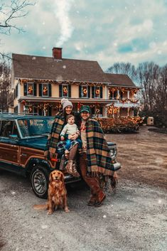 The New England House Tartan 2019 Cozy Christmas Classy Girls Wear Pearls The post The New England House Tartan 2019 appeared first on Blanket Diy. Christmas Tree Farm, Cozy Christmas, White Christmas, Vintage Christmas, Christmas Decor, Christmas Ideas, Christmas Gifts, Autumn Aesthetic, Christmas Aesthetic