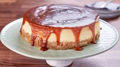 Salted caramel pretzel cheesecake with brown sugar, cream, and whiskey. Salted Pretzel, Salted Caramel Cheesecake, Salted Caramels, Mary's Kitchen, Kitchen Recipes, Cooking Recipes, Something Sweet, Great Recipes, Favorite Recipes