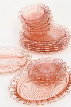 vintage pink depression glass plates & bowls, Anchor Hocking Old Colony open lace edge Antique Dishes, Antique Glassware, Vintage Dishes, Vintage Plates, Vintage Dishware, Vintage Decor, Kitsch, Pink Bedroom Decor, Dessert Aux Fruits