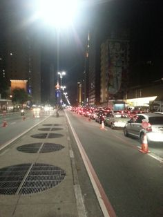Avenida Paulista - São Paulo - Brasil (ciclofaixa noturna)