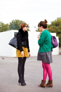 On the Street…. Rue Berryer, Paris « The Sartorialist Pink Tights, Colored Tights, Street Style Blog, Fashion Brand, Fashion Design, Fashion Ideas, Sartorialist, Shades Of Purple, Holiday Outfits