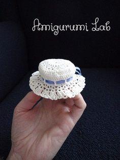 Creazioni uncinetto amigurumi :) - Bomboniere cappellino cotone