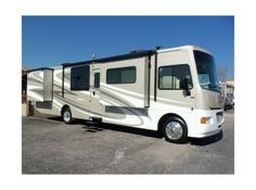 Check out this AMAZING 2015 Winnebago Vista 36Y FOR SALE in Kerrville, TX! - $144,134 - RVTrader.com #classarvs #rvsforsale