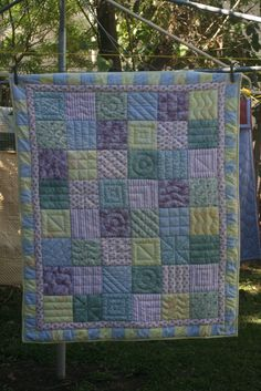 Pastel baby quilt | The Purple Giraffes