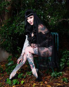 HOLLAND (@november_ravenwood) • Instagram photos and videos Sad Eyes, Gothic Beauty, Holland, November, Photo And Video, Videos, Photos, Instagram, Style
