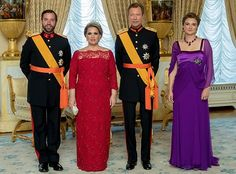 After celebrations of National Day of Luxembourg that took place on Friday, in the evening, Grand Duke Henry, Grand Duchess Maria Teresa, Hereditary Grand Duke Guillaume and Hereditary Grand Duchess Stéphanie held a official reception at the Grand Ducal Palace in Luxembourg.