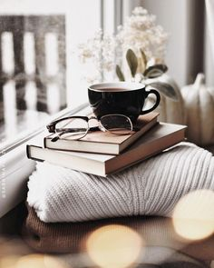 Image about winter in ☕️Coffee & Tea☕️ by سـحـر is part of Tea and books - Uploaded by سـحـر Find images and videos about winter, book and coffee on We Heart It the app to get lost in what you love