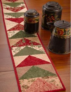 Ideas Sewing Table Runners Flying Geese For 2019 Patchwork Table Runner, Table Runner And Placemats, Quilted Table Runners, Table Runner Tutorial, Table Runner Pattern, Christmas Runner, Christmas Table Runners, Christmas Placemats, Flying Geese Quilt