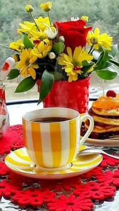 Coffee Vs Tea, Coffee Love, Coffee Drinks, Coffee Cups, Tea Cups, Good Morning Coffee Gif, Good Morning Breakfast, Breakfast Tea, Good Morning Flowers