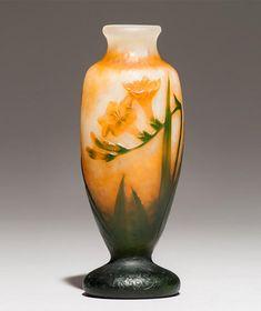 Art Nouveau l Art Déco - Robert Zehil Gallery in Monaco Trumpet Vase Centerpiece, Vase Centerpieces, Vases Decor, Art Nouveau, Clear Glass Vases, Glass Art, Cheap Vases, Crushed Glass, Window Art