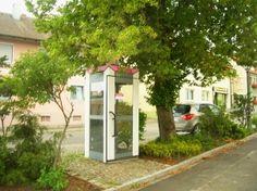 """Eslarns letzte öffentliche """"Kommunikationszentrale"""" vor dem Abbau Mitte August 2012."""