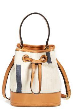 canvas bucket bag / tory burch