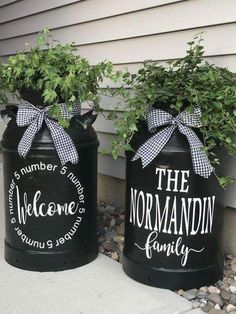 Milk can makeover! We are want to say thanks if you like to share this post to a. Milk can makeove Rustic Decor, Farmhouse Decor, Old Milk Cans, Milk Jugs, Milk Can Decor, Painted Milk Cans, Vintage Milk Can, Antique Milk Can, Front Door Decor