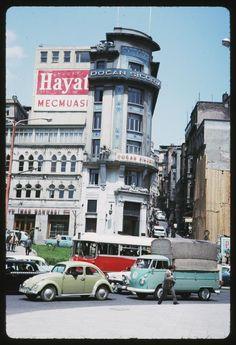 1965'in İstanbul'unda gezin - Visit Istanbul in 1965 - photo source; http://fotogaleri.ntvmsnbc.com/1965in-istanbulunda-gezin.html