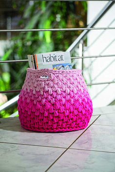 Use this versatile T-yarn basket to store toys, for your crochet yarn, as a portable laundry basket, or to keep your favourite magazines handy.