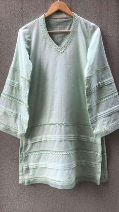 Stylish Dress Book, Stylish Dresses For Girls, Simple Kurti Designs, Kurta Designs Women, Fancy Dress Design, Stylish Dress Designs, Simple Pakistani Dresses, Pakistani Dress Design, Pakistani Fashion Party Wear