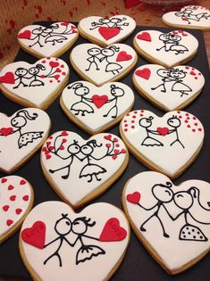 60 Heart Shaped Valentine's Day Cookies that'll get you to go Ooh LaLa - Hike n Dip Find best ideas / inspiration for Valentine's day cookies. Get the best Heart shaped Sugar cookies for Valentine's day & royal icing decorating ideas here. Cookies Cupcake, Valentine's Day Sugar Cookies, Fancy Cookies, Cut Out Cookies, Iced Cookies, Cute Cookies, Royal Icing Cookies, Cookies Et Biscuits, Cookie Frosting