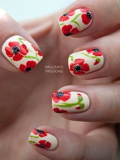 Poppy Flower Nails  ❤