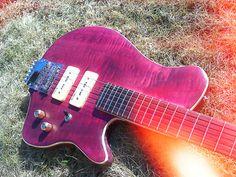 Thelema Derringer. A headless travel guitar.