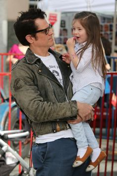Johnny Knoxville & Family Hit The Farmers' Market