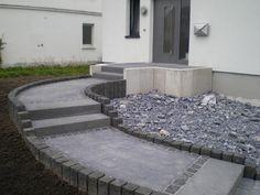 Michael Holzweiler Garten- und Landschaftsbau GmbH: Hauseingang pflastern