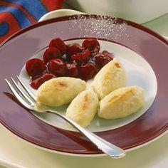 Süße Quarkknödelchen (optional mit Mohn bestreuen)