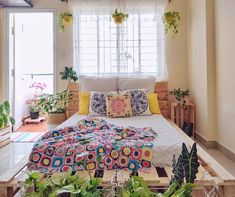Small House Interior Design, Modern Bedroom Design, Home Room Design, Indian Room Decor, Rental Home Decor, Pinterest Room Decor, India Home Decor, Diy Wall Decor For Bedroom, Colourful Living Room