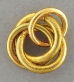 Petal Maille Pendant