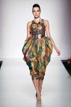 AltaRoma AltaModa SS 2014 – Portenier Roth. See all fashion show on: http://www.bookmoda.com/sfilate/altaroma-altamoda-ss-2014-portenier-roth/ #hautecouture #spring #summer #catwalk #womansfashion #woman #fashion #style #look #collection #SS2014 #altamoda #altaroma #portenierroth #fashionshow