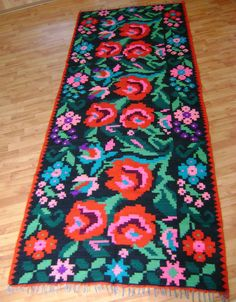Items similar to Handmade old Romanian Rug carpet to decorate your home - Hand-made hand-woven rugs on Etsy Vintage Colors, Vintage Rugs, Tapestry Crochet, Textile Patterns, Textiles, Floor Decor, Carpet Design, Floor Rugs, Retro