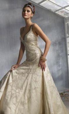 Beautiful and good website: Sample Lazaro Wedding Dress LZ3800, Size 6