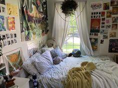 Dream Rooms, Dream Bedroom, Dream Teen Bedrooms, Indie Room, Pretty Room, Aesthetic Room Decor, Aesthetic Indie, Room Ideas Bedroom, Bedroom Inspo