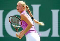 Alona Bondarenko Alona Bondarenko, Tennis Players Female, Tennis Racket, Beauty