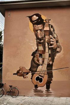 http://streetiam.com the street musician #graffiti #streetart #art @5putnik1