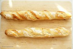 """Baguette ganz einfach selber backen """"Are you Mr. Is this the cooking lab? """"Outside the door stood Luigi, Capreze's little robot, with a microphone in his hand. His headlights turned Bread Recipes, Baking Recipes, Luigi, German Bread, German Desserts, French Baguette, Artisan Bread, How To Make Bread, Bread Baking"""