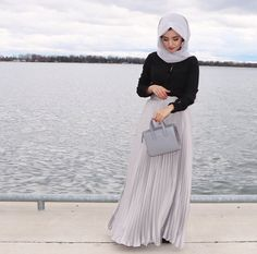 Use black jumper with (lilac) delicate maxi skirt ❌and matching crepe scarf❌ Street Hijab Fashion, Muslim Fashion, Modest Fashion, Fashion Outfits, Modest Outfits, Long Skirt Hijab, Hijabi Gowns, Hijab Style, Hijab Casual