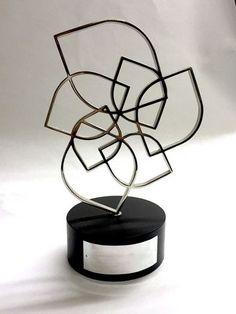 13db4ff5c548090b6d9fe59c4095b6db--award-trophy-hatton-garden.jpg (360×480)