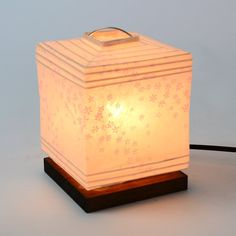Amazon | 美濃和紙製 モダンインテリア照明 ミニスタンド型 プラグライト 花舞ピンク | 土田家具センター | ペンダントライト 通販