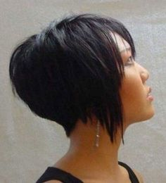 Inverted bob are in style recently. Inverted bob haircut flatters most face shapes. In this category, many inverted bob hairstyles are displayed for you. Short Inverted Bob Haircuts, Stacked Bob Hairstyles, Best Short Haircuts, Cool Hairstyles, Asian Hairstyles, Popular Haircuts, Hairstyle Ideas, Hairstyle Short, Hairstyles 2016