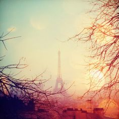 Watch the sun rise & set in Paris in a bijou little hotel with the man I love <3