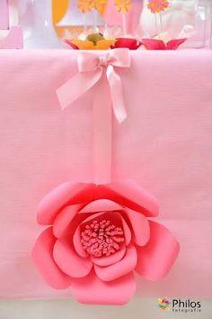 Resultado de imagem para painel com flores de papel
