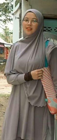 Hijab Dpz, Muslim Girls, Hijab Fashion, Celebrities, Womens Fashion, Beauty, Beautiful, Hijab Fashion Style, Women's Fashion