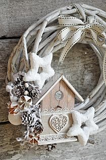 Stylowa kolekcja inspiracji z kategorii Design Winter Christmas, Christmas Wreaths, Christmas Decorations, Xmas, Christmas Ornaments, Christmas Stuff, Advent, Couronne Diy, Winter Scenes
