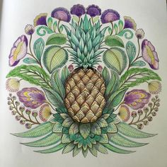 Beautiful art created through a simple pineapple. I like the exaggeration and makes the pineapple more eyecatching and supports it really well