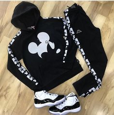 The under the weather way of life have already been the maker of loot into this continuous varying design and style psyche entire world. Dope Outfits For Guys, Swag Outfits Men, Stylish Mens Outfits, Sporty Outfits, Cool Outfits, Tomboy Fashion, Streetwear Fashion, Fashion Outfits, Hype Clothing