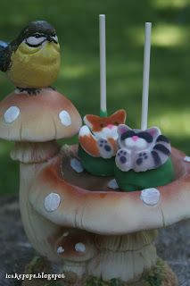 Forest Animal Cake Pops. Raccoon and red fox.