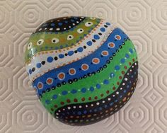 Painted stone /Roche dot