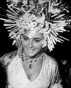 ブルガリがV&A博物館と提携し、「イタリアン・ファッションの魅力 1945-2014」展のメインスポンサーに | BRAND TOPICS | FASHION | WWD JAPAN.COM #photography #star #vintage
