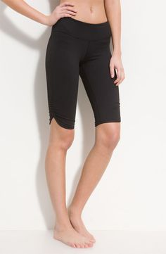 Zella crop pants    I really like the look of these! WANT!